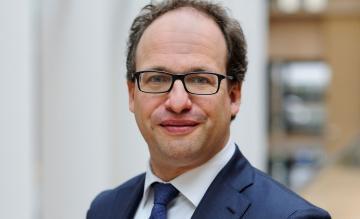 Minister Koolmees